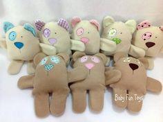Linha Baby Fun Toys da Arteira Craft.  O amiguinho que todo o bebê precisa.    A linha baby 3 em 1!  A linha Baby Fun Toys foi desenvolvida para acompanhar o seu bebê na hora de brincar, de descansar e de dormir.  São na verdade mini travesseirinhos, naninhas ou ainda brinquedos fofos, tudo em um...