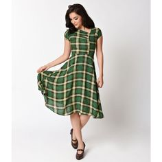 Unique Vintage Green Plaid Print Amelia Cap Sleeve Swing Dress ($88) ❤ liked on Polyvore featuring dresses, vintage dresses, vintage white dress, circle skirt, vintage green dress and swing dress