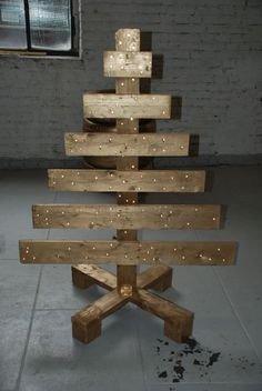 40 Ideas Of Christmas Tree & Decorations Made Out Of Repurposed Pallets Home Decorations Pallet Projects Kids Projects With Pallets