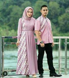 ideas dress hijab batik muslim Source by hijab Batik Long Dress, Model Dress Batik, Dress Muslim Modern, Muslim Dress, Baju Couple Muslim, Dress Brokat Modern, Kebaya Muslim, Sewing Dresses For Women, Trendy Dresses