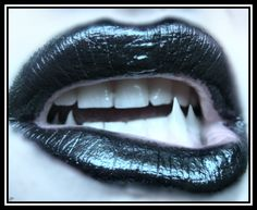 Vampire fangs////♥   ; )=