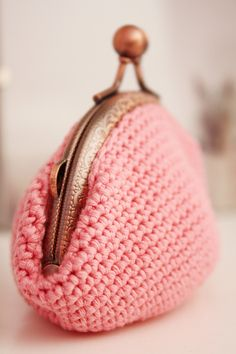 crochet projects, crochet bags, coins, crochet wallet, clutches, crochet pouch, coin purses, crochet purses, crocheted purses
