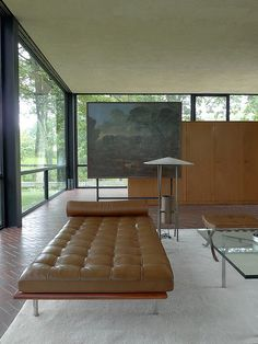 Home Interior Living Room Glass House//Philip Johnson.Home Interior Living Room Glass House//Philip Johnson Philip Johnson, Home Interior, Modern Interior, Interior And Exterior, Interior Decorating, Casa Farnsworth, Architecture Design, Design Moderne, Mid Century Modern Design