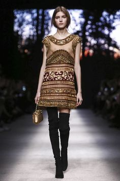 From the dark a winter sun arose on the backdrop of the Alberta Ferretti show on Wednesday. Its rays warming a snow-blanketed woodland as it slowly progressed, along with the collection, across the...