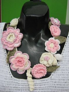 Material: cotton Original design by Suzann It is very light and comfortable to wear, very romantic and elegant Treasure Boxes, Crochet Scarves, Crochet Necklace, Crochet Jewellery, Jewelry Crafts, Crochet Projects, Etsy, Romantic, Diy Crafts