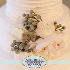 white peony, silver brunia, white ranunculus