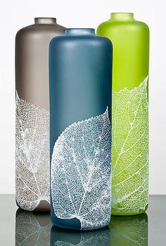 Leaf Vessels by Nick Chase (Art Glass Vessel) Painted Glass Bottles, Glass Bottle Crafts, Wine Bottle Art, Diy Bottle, Bottle Vase, Glass Vessel, Glass Art, Pottery Painting Designs, Vase Design