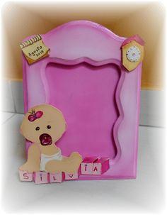 Portafoto per neonato, personalizzabile con il nome, ora e data di nascita. Legno dipinto a mano