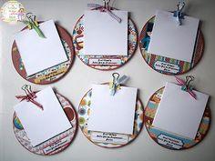 Coisinhas de jana: Porta recado CD Dia do Professor 2 e Caixinhas por... Kids Crafts, Diy Arts And Crafts, Craft Projects, Paper Crafts, Cadeau Grand Parents, Recycled Cd Crafts, Cd Art, Craft Sale, Craft Fairs