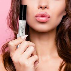 Best Makeup Primer, Best Makeup Products, New Makeup Trends, Makeup Ideas, What Is Makeup, Ariana Grande Makeup, Top Makeup Artists, Bright Eyeshadow, Glass Skin