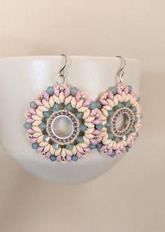 Sunburst Earrings Tutorial, Super duo tutorial, super duo pattern, twin hole beads, bicone beads, seed bead earrings, swarovski,
