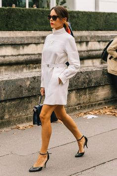 Evangelie Smyrniotaki (Style Heroine) wearing Valentino. #parisfashionweek Paris Fashion Week, Fashion Week 2018, Fashion 2020, Spring Fashion, Autumn Fashion, Women's Fashion, Work Fashion, Street Fashion, Greece Fashion