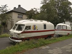 Sweet vintage matching motorhome and travel trailer.