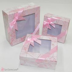 Ροζ τετράγωνα κουτιά με διάφανο καπάκι Boxes, Gift Wrapping, Pink, Gifts, Gift Wrapping Paper, Crates, Presents, Wrapping Gifts, Box