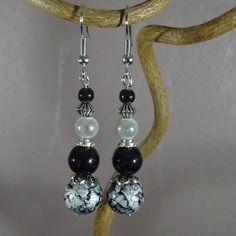 Boucles d'oreilles - perle marbrée - perles magiques miracles - noir et blanc