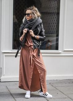 long rust shirt dress with adidas-Maxi coats with Adidas outfit ideas http://www.justtrendygirls.com/maxi-coats-with-adidas-outfit-ideas/