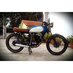 #mulpix Pequena e poderosa :) #honda #cg125 #cg #caferacer #caferacerxxx #croig #cr351 #racer #streettracker #tracker #brat #scrambler #handmade #homemade #motorcycle #motorbike #portugal
