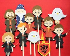 Harry Potter cupcake toppers, 12 Harry Potter inpired cupcake toppers, harry potter party supply, toppers for harry potter party by Fairfable on Etsy https://www.etsy.com/listing/248780312/harry-potter-cupcake-toppers-12-harry