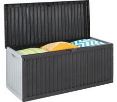 Praktische Kissenbox aus Kunststoff in Grau/Silber mit ca. 350 Litern Fassungsvermögen. Ideal für Gartenstuhlauflagen oder andere Kleinigkeiten, die Sie verstauen möchten. Outdoor Furniture, Outdoor Decor, Outdoor Storage, Home Decor, Terrace, Goodies, Decorating, Silver, Grey