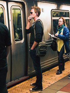 Neal Patrick Harris and plenty of other celebs getting around via transit in NYC. From People magazine...if i saw him on the subway i would literally die.