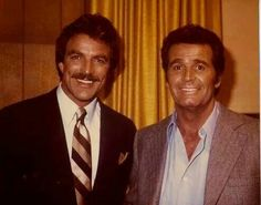 James Garner and Tom Selek. July 2014 - Obituary: Veteran actor James Garner, one of the leading men of leading men, dies at 86 Hollywood Men, Hollywood Stars, Classic Hollywood, Classic Movie Stars, Classic Movies, James Gardner, The Rockford Files, Actor James, Nostalgia
