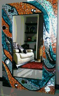 Wow, now that's a statement piece for the living room! Mirror Mosaic, Mosaic Diy, Mosaic Crafts, Mosaic Glass, Fused Glass Art, Stained Glass, Mirror Crafts, Mosaic Madness, Mirror Work