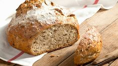 Pecan Oatmeal Whole-Wheat Bread recipe Wheat Bread Recipe, Bread Recipes, Gf Pancake Recipe, Greek Bread, Simply Yummy, Apple Pie Bites, Whole Wheat Bread, Thanksgiving Appetizers, Roasted Carrots