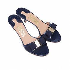 (フェラガモ) SALVATORE FERRAGAMO GLORY1 OXFORD BLU 女性 靴 リボン サンダル シューズ  (並行輸入品) RICHJUNE (9) Salvatore Ferragamo(サルヴァトーレ フェラガモ) http://www.amazon.co.jp/dp/B011YWCEUQ/ref=cm_sw_r_pi_dp_yK5Wvb0Y4HJKM