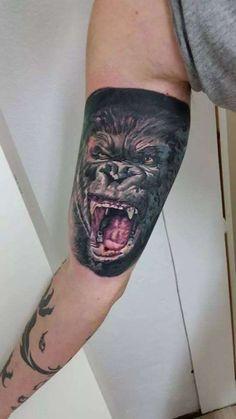 1000 images about tattoos gorilla on pinterest gorilla tattoo silverback gorilla and king kong. Black Bedroom Furniture Sets. Home Design Ideas