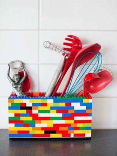 Quante cose si possono fare con i LEGO? Per esempio questo contenitore per la cucina!!!