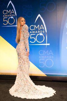 Beyoncé at the CMA Awards 2016