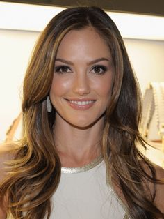 Coloring Your Summer, Coloring Your Hair: Minka Kelly Hair Color Trends Summer 2012 ~ Hair style Inspiration Minka Kelly Hair, Minka Kelly Style, Redken Hair Color, Hair Color 2017, Redken Hair Products, Long Layered Haircuts, Layered Hairstyles, Edgy Hair, Light Brown Hair