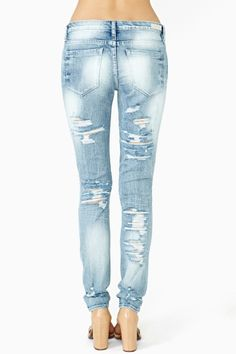 So....are the pants supposed to look like this?  What have you been sitting on that your jeans ripped like that?  Knives?