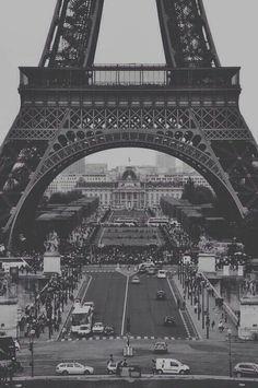 Eiffelturm (schwarz-weiß)