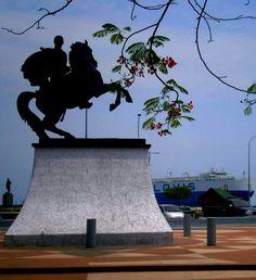 Bella Plaza Bolívar de Puerto Cabello, Edo Carabobo, Venezuela