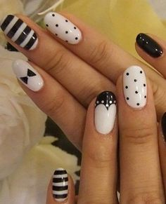 Black and White Nail Art Designs - Perfect Match For Any Parties - The most beautiful nail designs Fancy Nails, Love Nails, Pretty Nails, My Nails, Polish Nails, Black And White Nail Designs, Black And White Nail Art, White Gold, Nail Art Blanc