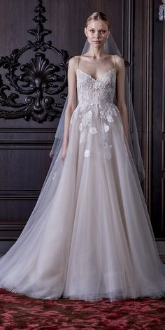 Monique Lhuillier Spring 2016 Wedding Dresses 28 / http://www.himisspuff.com/monique-lhuillier-spring-2016-wedding-dresses/5/