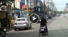 Conduzir Uma Scooter e Dormir Ao Mesmo Tempo é Capaz De Não Ser Boa Ideia http://www.funco.biz/conduzir-scooter-dormir-ao-mesmo-tempo-capaz-nao-boa-ideia/