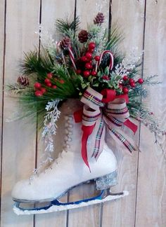 Christmas Ice Skate Holiday Decoration Door wreath Wall