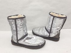 Pre-owned UGG Australia 1006739 Gray Classic Short Sparkles Size 6