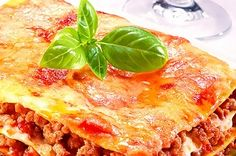 Quick And Easy Beef Lasagna Recipe Beef Lasagne, Meat Lasagna, Lasagne Recipes, Pasta Recipes, Beef Recipes, Cooking Recipes, Lasagna Noodles, Lasagna Bolognese, Chicken Lasagna