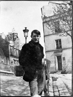Pablo Picasso at Montmartre