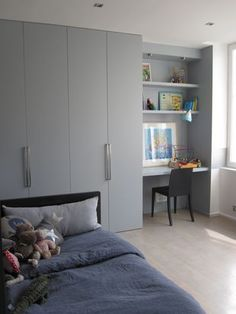 – Paris furnished and decorated by the interior designer Vanessa Faivre Source by jeanneflorian Bedroom Built In Wardrobe, Home Office Bedroom, Wardrobe Furniture, Bedroom Closet Design, Girl Bedroom Designs, Bedroom Green, Wardrobe Design, Home Room Design, Bedroom Sets