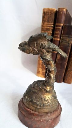 Henry Gugère Vintage Eagle Figurine Embleme Of Henry Fugère Statues, Fashion Art, Candle Holders, Eagle, Art Deco, Bronze, Etsy, Vintage, Porta Velas