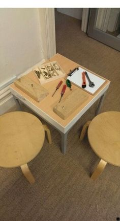 Tinkering table for Walker Learning Investigations Program Woodworking Diy Gifts, Woodworking Software, Woodworking Quotes, Japanese Woodworking, Woodworking Clamps, Woodworking Magazine, Popular Woodworking, Woodworking Furniture, Custom Woodworking