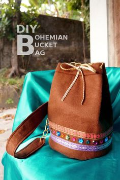 Make a quick and easy leather bucket bag! #tutorial #bags #howto
