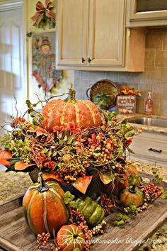 Kristen's Creations: Fall In The Kitchen Fall Kitchen Decor, Fall Home Decor, Autumn Home, Diy Kitchen, Fall Arrangements, Autumn Decorating, Thanksgiving Decorations, Thanksgiving Table, Christmas Tables