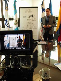 Grabando comercial para empresa Guatemalteca. Actor