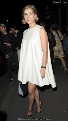 Jennifer Lawrence  leaving the Paris Fashion Week Dior After Party http://icelebz.com/events/jennifer_lawrence_leaving_the_paris_fashion_week_dior_after_party/photo1.html