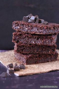Mindenmentes brownie: cukor-, glutén-, tejtermék-, tojásmentes, lowcarb, vegán finomság. Vigyázat, nagyon csokis! #gluténmentes #vegán |mindenmentes.hu